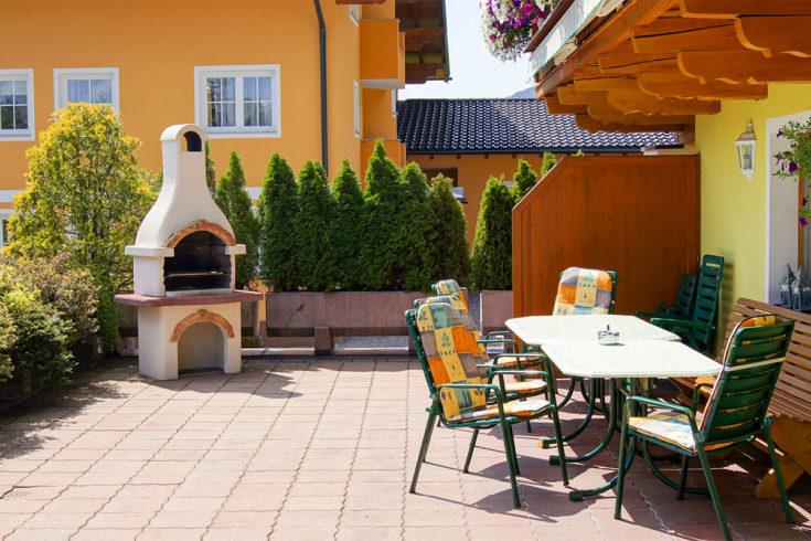 Sonnenterrasse mit Grill - Landhaus Maurer